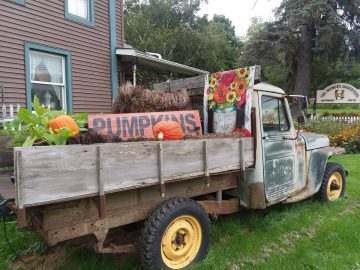 The Farmer's Daughters truck