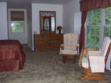 Ludwig's Trailside Bed and Breakfast room