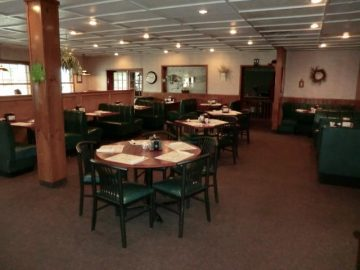Kaytee's Family Restaurant & Marketplace dining tables